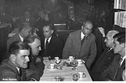 Josep Romeu amb Pere Puig Quintana, Octavi Saltor, Tomàs Garcés i Carles Riba.